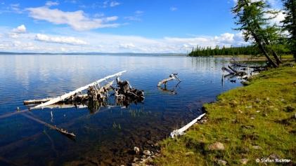 Kristallklares Wasser am Khuvsgul-See.