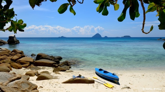 ...erreicht mit dem Sea-Kajak - Malaysia Style.