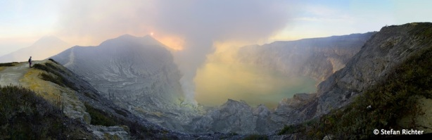Panorama des Ijen Kraters.