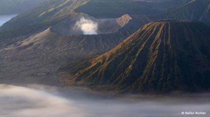 Von hier hat man einen nahezu perfekten Blick auf den Bromo Vulkan...