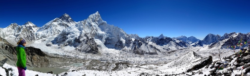 Panorama am Kalla Patthar (5.550 m): mit Everest, Nuptse und Julia.