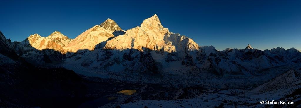 Sonnenuntergang am Mt. Everest.