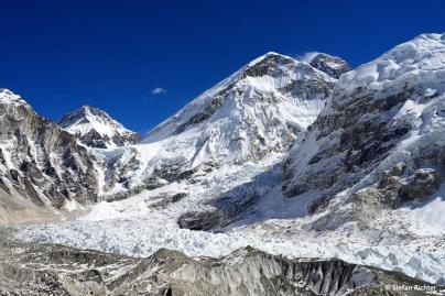 Der imposante Khumbu-Eisfall am EBC.