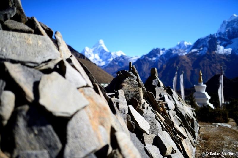Die längsten Mani Walls stehen in Khumjung..
