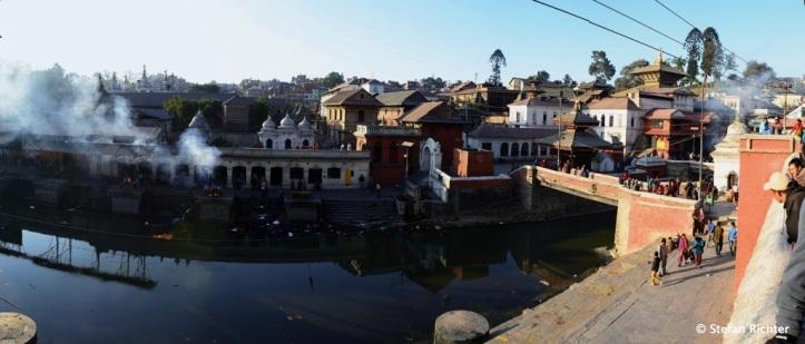 Panorama an den Pasupatinath Tempeln.