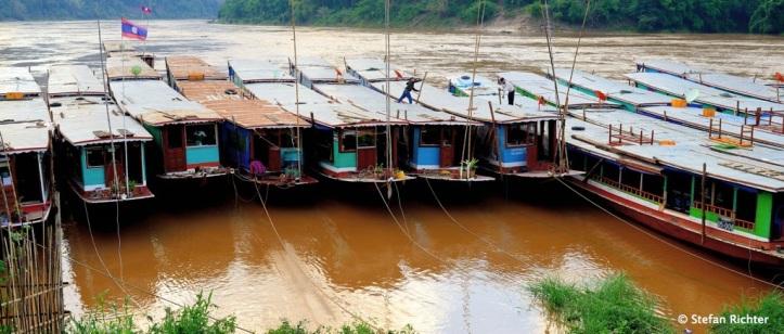 Slowboat-Hafen Pak-Beng.