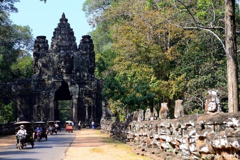 Das Westgate von Angkor Tom.