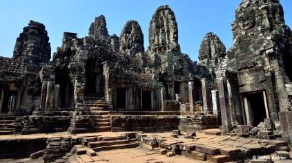 Alle Tempel weisen sowohl buddhistische als auch hinduistische Merkmale auf.
