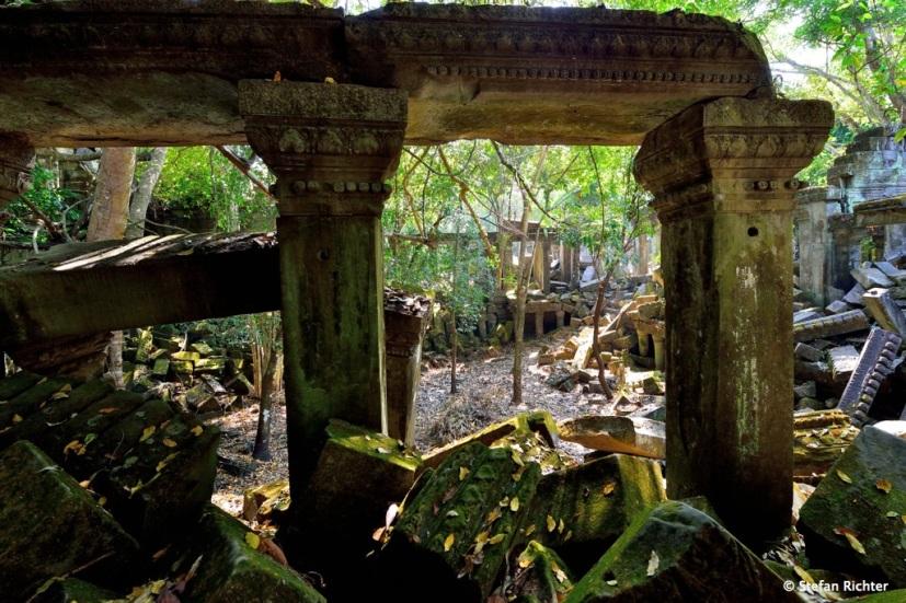 Blick aus der Sandstein-Ruine.
