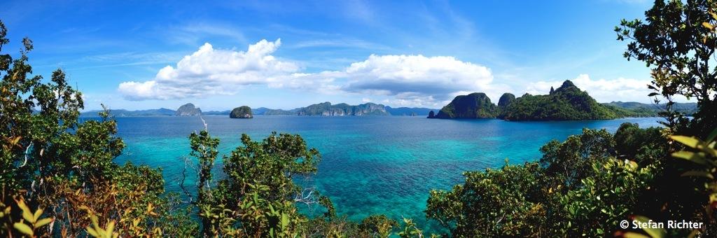 Panorama über das Bacuit Archipel von Snake Island aus.