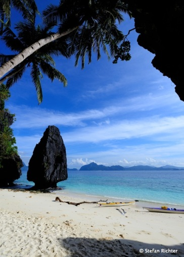 Beach @ Entalua Island.