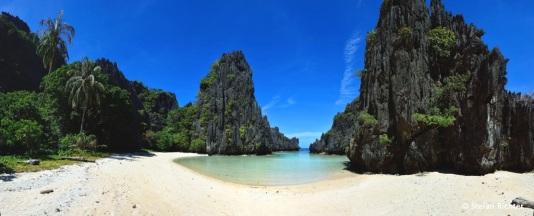 Hidden Beach @ Matinloc Island.
