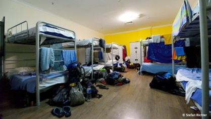 16 Bett-Zimmer - gewöhnungsbedürfig.