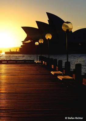 Sonnenaufgang im Hafen von Sydney.