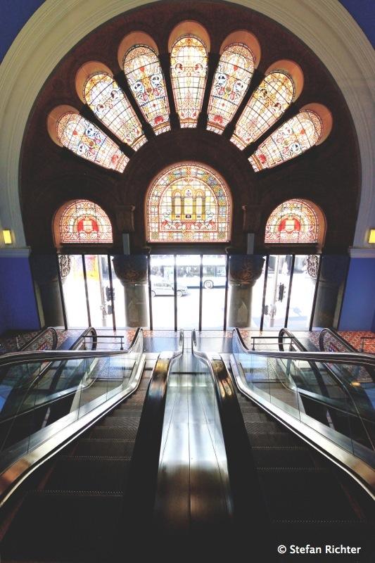 Rolltreppen auf die George Street - Queen Victoria Building.