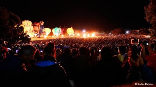 80.000 Leute schauen bei diesem Spektakel zu.