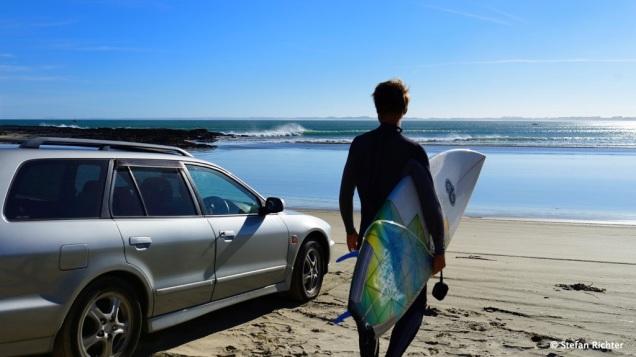 Surfing @ Shipwreck Bay.