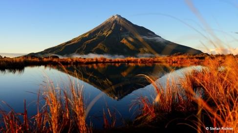 Sunrise @ Mt. Taranaki (2.518 m).