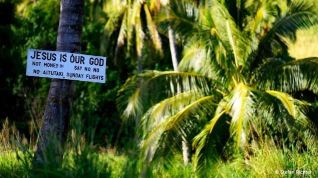 Großes Thema auf Aitutaki: Der Kampf gegen die Sonntagsflüge.