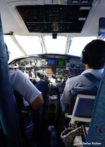 Im Cockpit - Embraer EMB 110 - immerhin 5 Passagiere plus 2 Piloten.