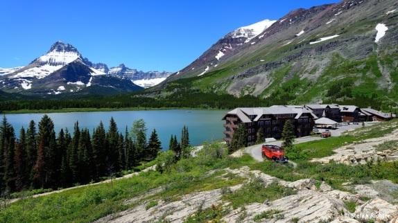 Ausflugsverkehr am Many Glacier Lake.