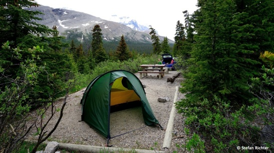 Camping am Athabasca Gletscher.