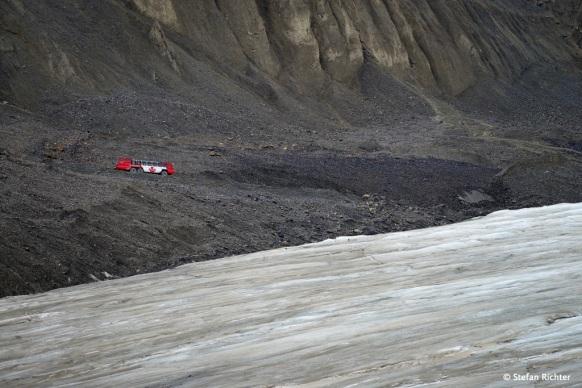 Für alle, die noch nie eine Gletscher betreten haben, gibt es extra Bustouren auf den Gletscher (Aussteigen inklusive).