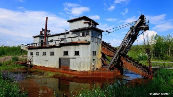 Coal Creek Dredge. Ein Stück industrielle Goldgräbergeschichte am Yukon.