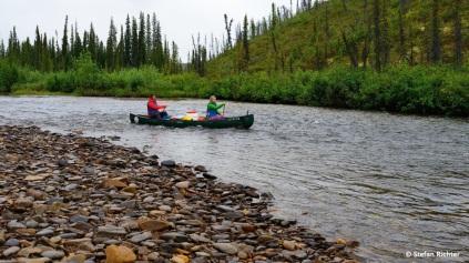 Julia und Stefan auf Weltreise im Kanu @ Beaver Creek, Alaska.