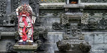 Noch einer, der das Böse abhält in den Tempel zu dringen.