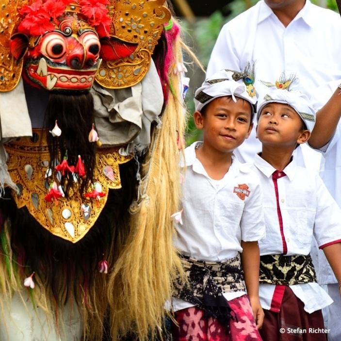 Die vielen Rituale des Bali-Hinduismus sind uns immer noch ein Rätsel, aber es ist immer wieder bewundernswert zuzuschauen.