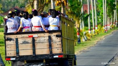 Fahrt vom Tempelfest nach Hause.
