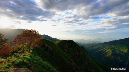 Sunrise @ Little Adams Peak.