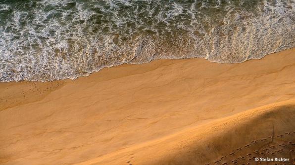 Spuren im Sand.