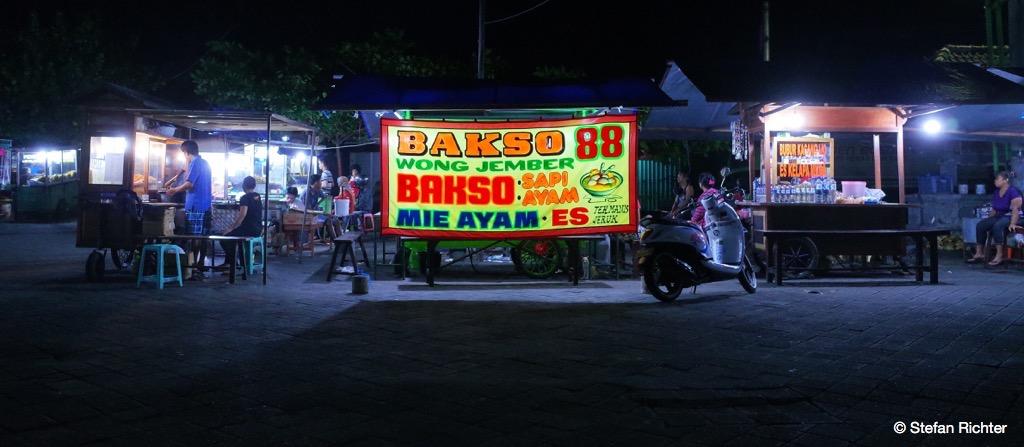 Abendessen auf dem Local Market.