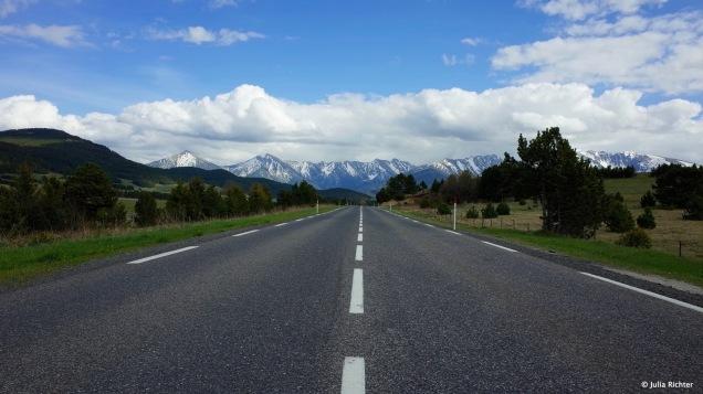 On The Road durch die Pyrenäen.