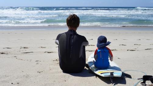 Stefan und Finn philosophieren wohl gerad über die Wellen...