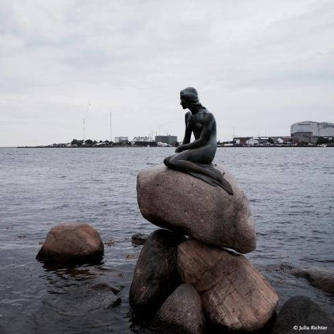 Die Kleine Meerjungfrau in Kopenhagen war eine unserer ersten Stationen Richtung Lofoten.